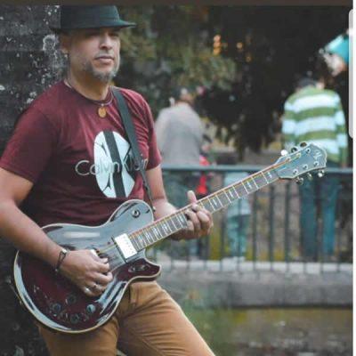 Guitarrista solista en festivales nacionales e internacionales